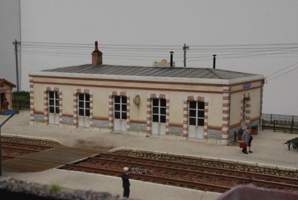 2017-11-01 (01) Gare de Louverné - Roger